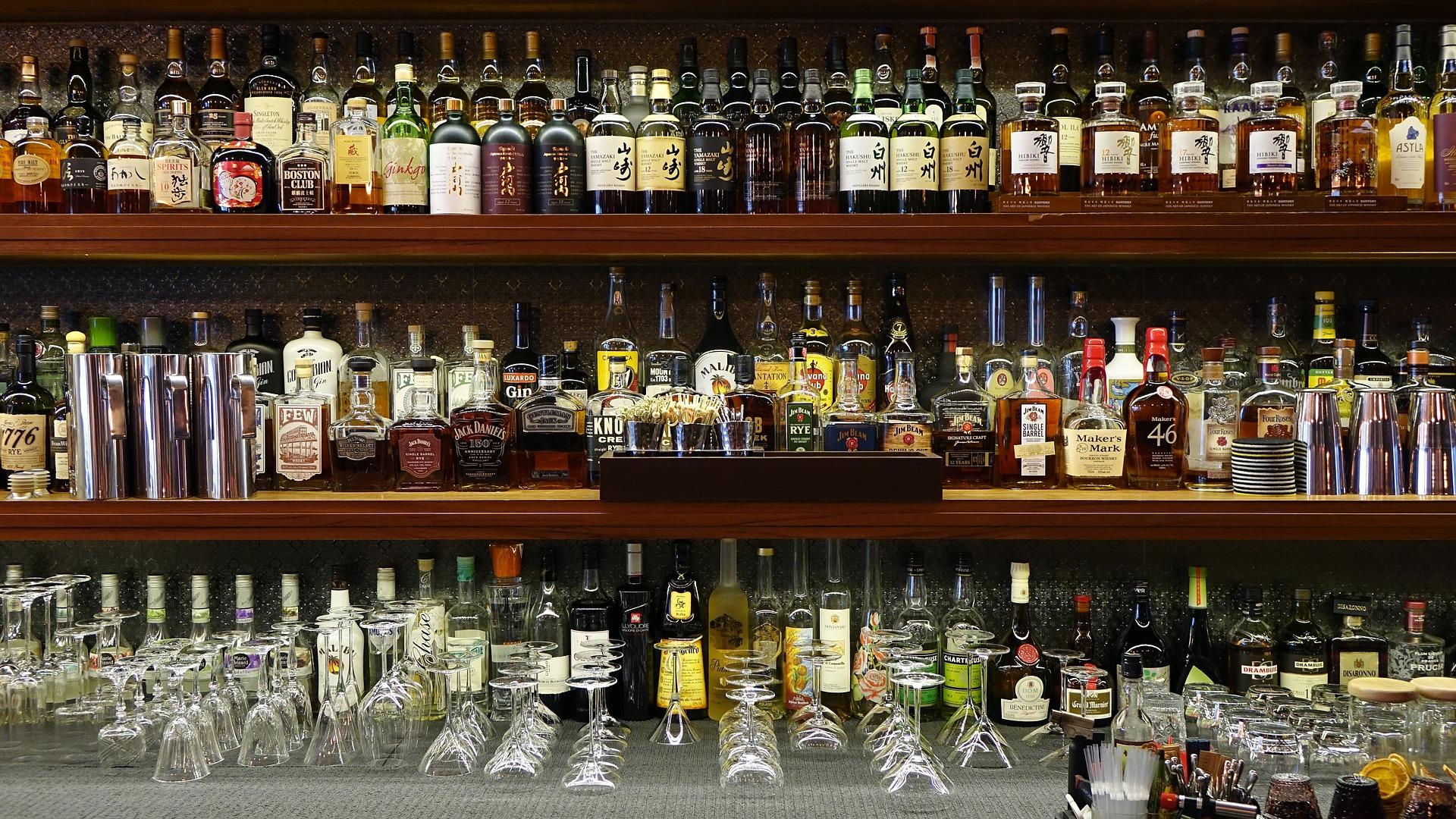 bar-1845963_1920